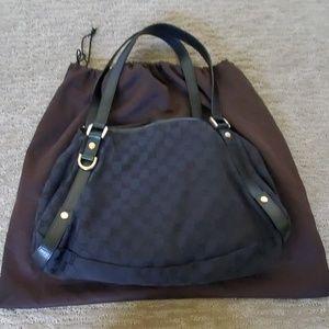 Authentic GUCCI SHOULDER BAG.